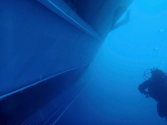 concordia-04 concordia-03 photo Guardia Costiera/Reuters